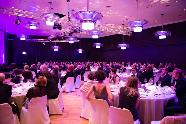 176 Gäste beehrten die Bundesstiftung Magnus Hirschfeld durch ihre Teilnahme am 2. Charity Dinner im Hotel GRAND HYATT Berlin.