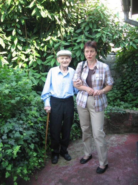 Rudolf am 26. Juni 2010 mit seiner Nichte Petra an seinem 97. Geburtstag (Fotograf: Jean-Luc SCHWAB)